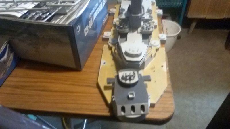 USS Missouri BB-63 - Ungefähr 1949-51- 1-200 von Trumpeter - Seite 2 Q6oelkde