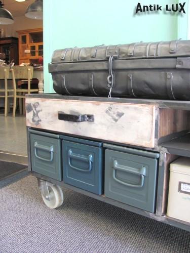 gro es lowboard industrie design loft m bel kommode metall schrank anrichte ebay. Black Bedroom Furniture Sets. Home Design Ideas