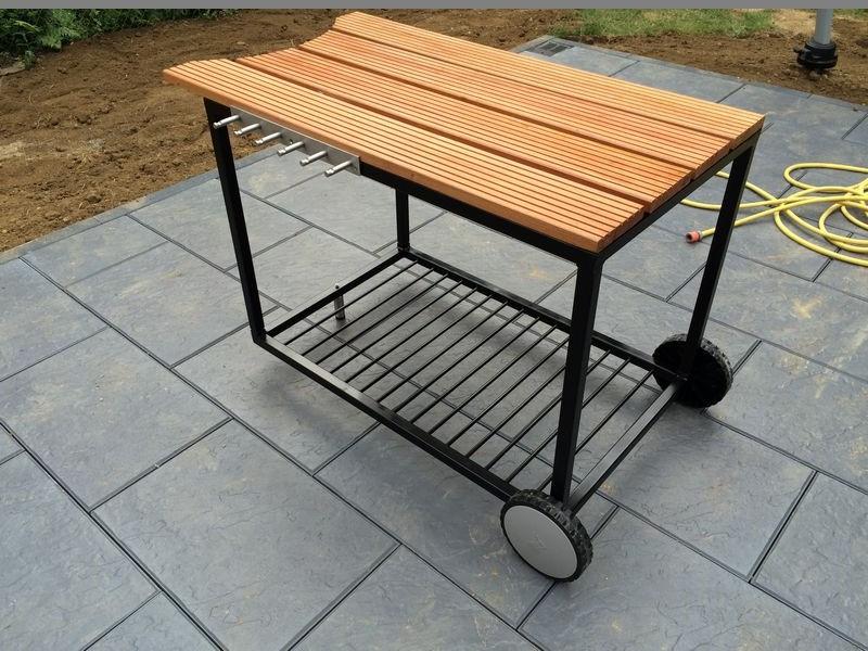 weber 57er grill tisch made by me weber grillzubeh r webergrill deutschlands 1. Black Bedroom Furniture Sets. Home Design Ideas