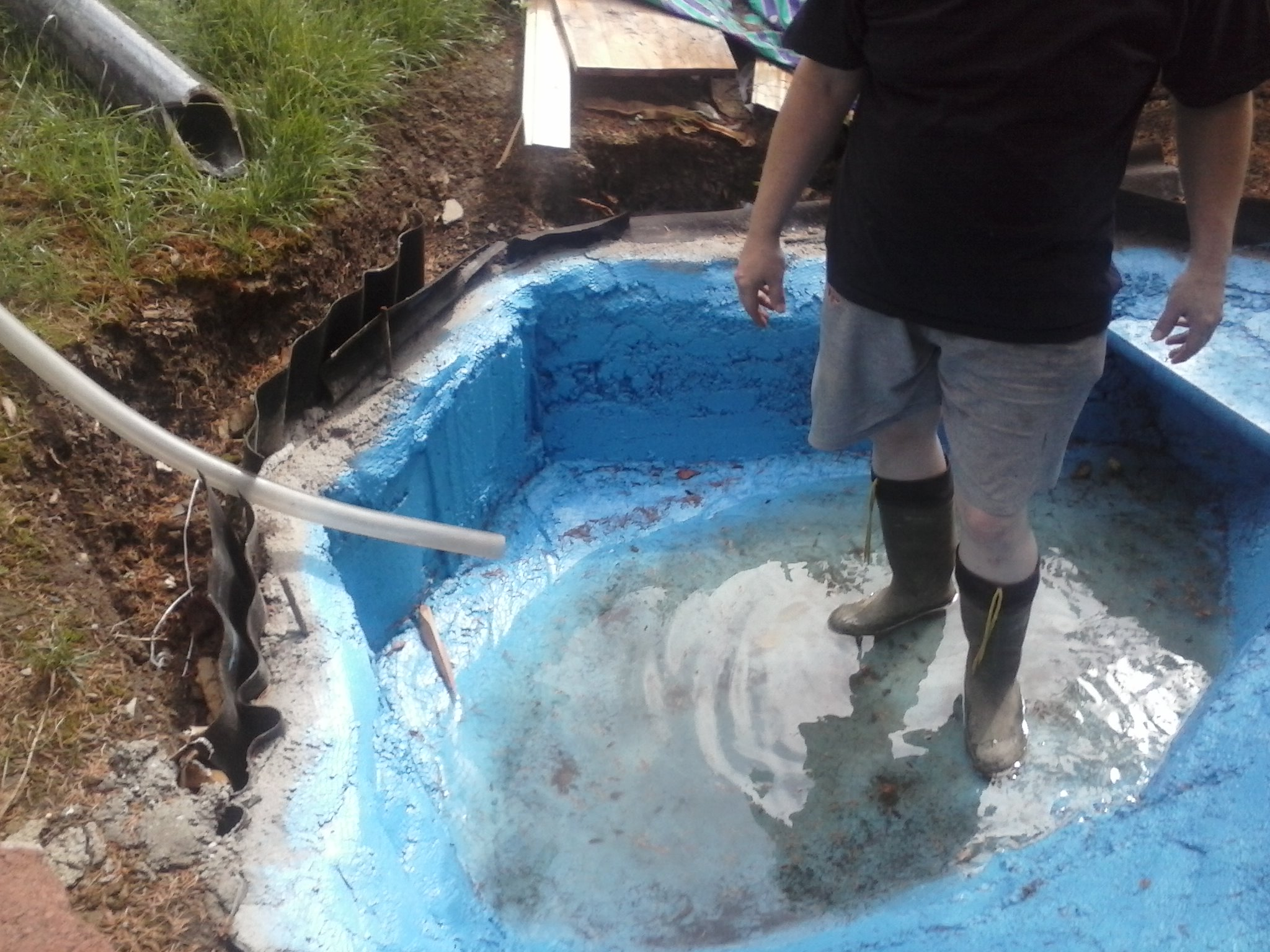 ententeich aus fertigbeton wie dicht kriegen seite 3. Black Bedroom Furniture Sets. Home Design Ideas