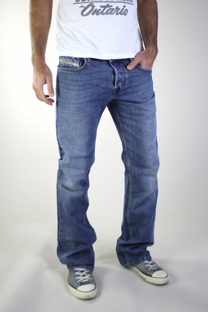 neu diesel zatiny herren boot cut jeans hose 0800z stonewashed hellblau. Black Bedroom Furniture Sets. Home Design Ideas